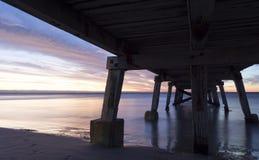 Zonsondergang van onder de Normanville-Pier Royalty-vrije Stock Afbeelding