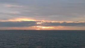 Zonsondergang van schip Stock Afbeeldingen