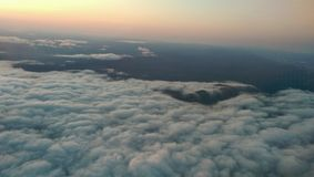 Zonsondergang van vliegtuig Stock Foto