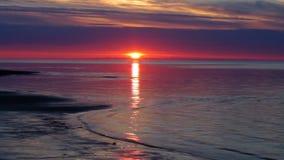 Zonsondergang Witte Overzees, Rusland stock videobeelden