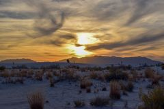 Zonsondergang in Witte Zandwoestijn stock foto