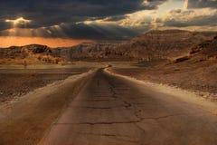 Zonsondergang in woestijn. stock foto's