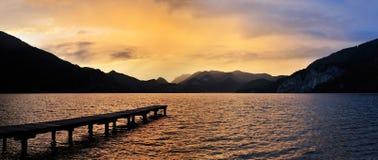 Zonsondergang in Wolfgangsee Stock Afbeelding