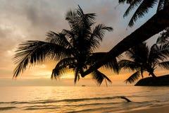 Zonsonderganglandschap op Koh Kood Stock Foto's