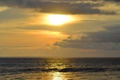 Zonsondergangmening bij Soka-Strand Stock Foto's