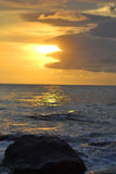 Zonsondergangmening bij Soka-Strand Royalty-vrije Stock Foto's