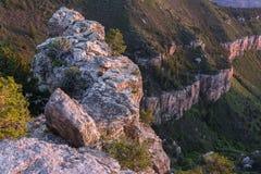 Zonsondergangmening van de Grand Canyon -het Noordenrand van Sprinkhanenpunt Stock Afbeelding