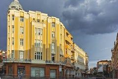 Zonsondergangmening van de straat van Knyaz Alexander I in stad van Plovdiv, Bulgarije royalty-vrije stock afbeelding