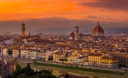 Zonsondergangmening van Florence en Duomo royalty-vrije stock foto