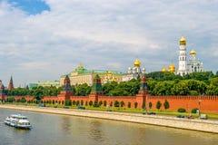 Zonsondergangmening van het Kremlin in Moskou, Rusland Stock Foto's
