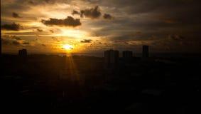 Zonsondergangmening vanaf bovenkant van de bouw Royalty-vrije Stock Foto