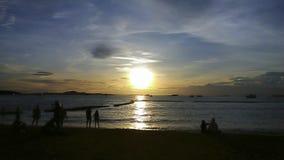 Zonsondergangoverzees in Thailand stock afbeelding