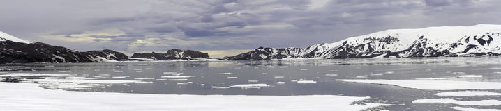 Zonsondergangpanorama bij Teleurstellingseiland, Antarctica Stock Afbeeldingen