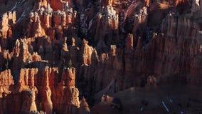 Zonsondergangschaduwen over Ongeluksboden in Bryce Canyon stock videobeelden
