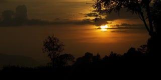 Zonsondergangsilhouet in Thailand Stock Afbeeldingen