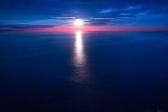 Zonsondergangzonsopgang over Middellandse Zee Stock Afbeelding