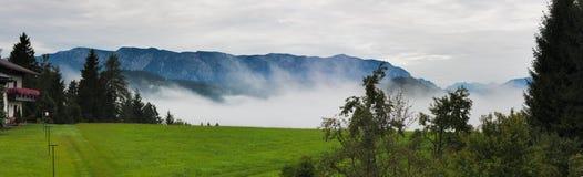 Zonsopgang in alpen, Oostenrijk, Europa royalty-vrije stock afbeeldingen