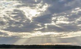Zonsopgang bewolkt in de ochtend Stock Foto