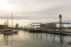 Zonsopgang bij de haven van Barcelona, aan het eind van Ramblas Staaf Stock Foto