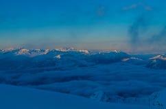 Zonsopgang bij de Nebelhorn-top in de winter dichtbij Oberstdorf, Duitsland Royalty-vrije Stock Foto