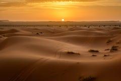Zonsopgang bij Erg Chebbi, de Sahara, Marokko royalty-vrije stock foto