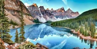 Zonsopgang bij het meer van de Morene Stock Afbeelding