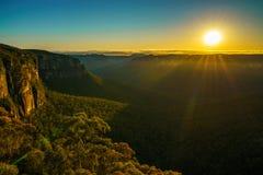 Zonsopgang bij het vooruitzicht van de govettssprong, blauwe bergen, Australië 83 royalty-vrije stock fotografie