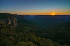 Zonsopgang bij het vooruitzicht van de govettssprong, blauwe bergen, Australië 5 stock afbeelding