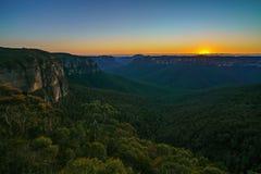Zonsopgang bij het vooruitzicht van de govettssprong, blauwe bergen, Australië 4 royalty-vrije stock afbeelding
