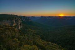 Zonsopgang bij het vooruitzicht van de govettssprong, blauwe bergen, Australië 6 stock fotografie