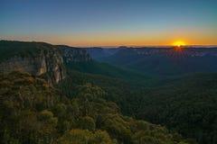 Zonsopgang bij het vooruitzicht van de govettssprong, blauwe bergen, Australië 8 royalty-vrije stock afbeelding