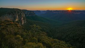 Zonsopgang bij het vooruitzicht van de govettssprong, blauwe bergen, Australië 9 stock afbeeldingen