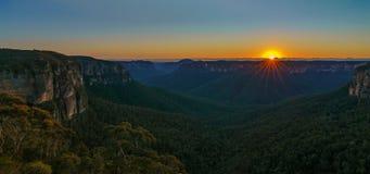 Zonsopgang bij het vooruitzicht van de govettssprong, blauwe bergen, Australië 14 royalty-vrije stock afbeelding