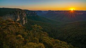 Zonsopgang bij het vooruitzicht van de govettssprong, blauwe bergen, Australië 15 royalty-vrije stock afbeeldingen