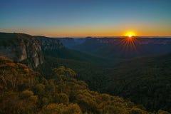 Zonsopgang bij het vooruitzicht van de govettssprong, blauwe bergen, Australië 20 royalty-vrije stock foto