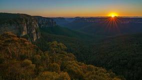 Zonsopgang bij het vooruitzicht van de govettssprong, blauwe bergen, Australië 19 royalty-vrije stock fotografie