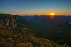 Zonsopgang bij het vooruitzicht van de govettssprong, blauwe bergen, Australië 23 royalty-vrije stock fotografie