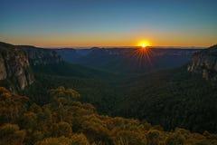 Zonsopgang bij het vooruitzicht van de govettssprong, blauwe bergen, Australië 25 royalty-vrije stock fotografie