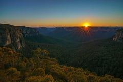 Zonsopgang bij het vooruitzicht van de govettssprong, blauwe bergen, Australië 24 royalty-vrije stock fotografie