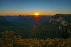 Zonsopgang bij het vooruitzicht van de govettssprong, blauwe bergen, Australië 29 royalty-vrije stock afbeeldingen