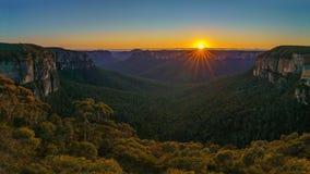Zonsopgang bij het vooruitzicht van de govettssprong, blauwe bergen, Australië 28 royalty-vrije stock foto's