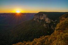 Zonsopgang bij het vooruitzicht van de govettssprong, blauwe bergen, Australië 35 stock fotografie