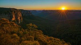 Zonsopgang bij het vooruitzicht van de govettssprong, blauwe bergen, Australië 43 stock afbeelding