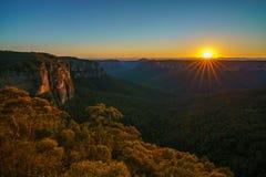 Zonsopgang bij het vooruitzicht van de govettssprong, blauwe bergen, Australië 42 royalty-vrije stock foto