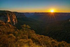 Zonsopgang bij het vooruitzicht van de govettssprong, blauwe bergen, Australië 45 royalty-vrije stock foto