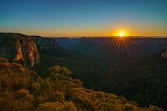 Zonsopgang bij het vooruitzicht van de govettssprong, blauwe bergen, Australië 44 royalty-vrije stock afbeelding