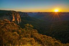 Zonsopgang bij het vooruitzicht van de govettssprong, blauwe bergen, Australië 47 royalty-vrije stock afbeeldingen
