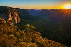 Zonsopgang bij het vooruitzicht van de govettssprong, blauwe bergen, Australië 56 stock fotografie