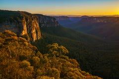 Zonsopgang bij het vooruitzicht van de govettssprong, blauwe bergen, Australië 60 royalty-vrije stock foto's