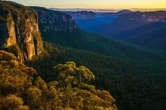 Zonsopgang bij het vooruitzicht van de govettssprong, blauwe bergen, Australië 67 royalty-vrije stock foto's